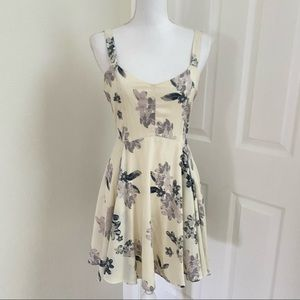 Margot Floral Fit and Flare Lace Tie Back Sz Med